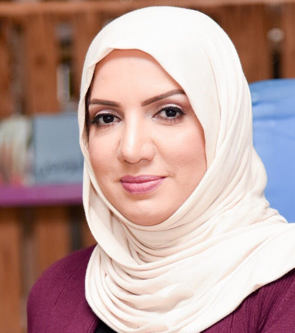 الكاتبة و الصحافية منصورة الجمري