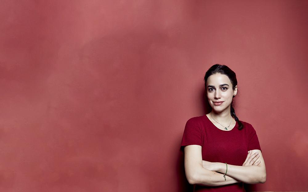 الكاتبة (ليلى عظم زنكنه) مؤلفة كتاب (أختي: احذري من حجابك.. أخي: احذر من عينيك)