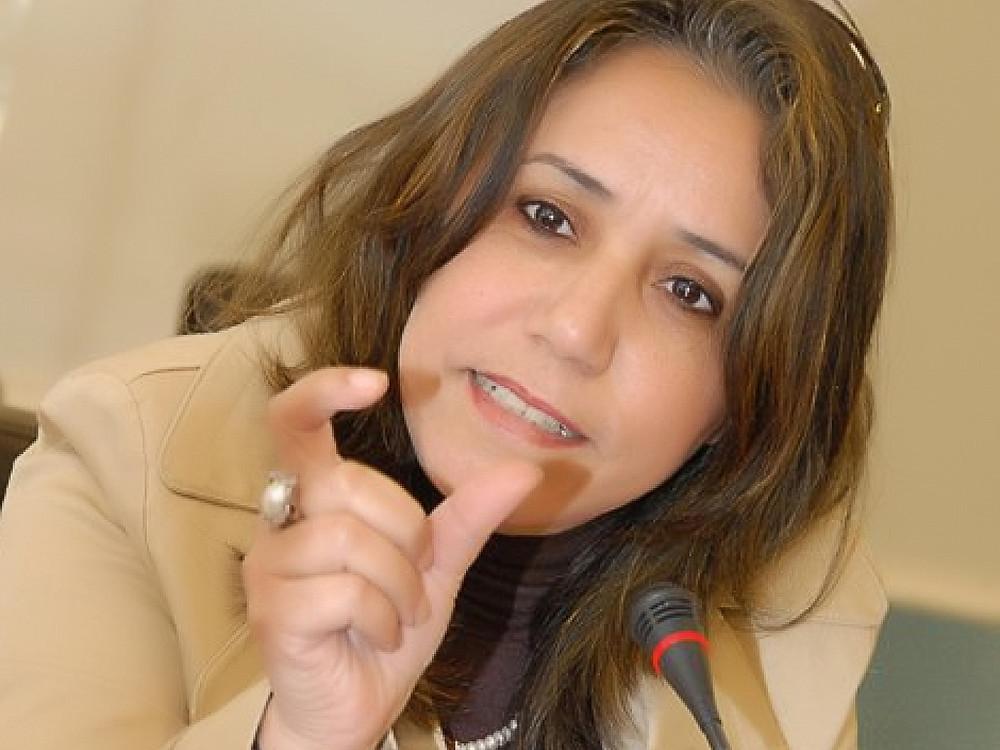 زهور كرّام روائية وناقدة وأكاديمية مغربية وأستاذة التعليم العالي بجامعة ابن طفيل في مدينة القنيطرة بالمغرب