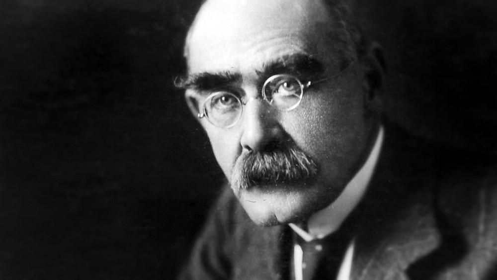 الكاتب الإنجليزي روديارد كيبلنغ (1865 - 1936)