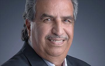 الروائي البحريني عبدالقادر عقيل