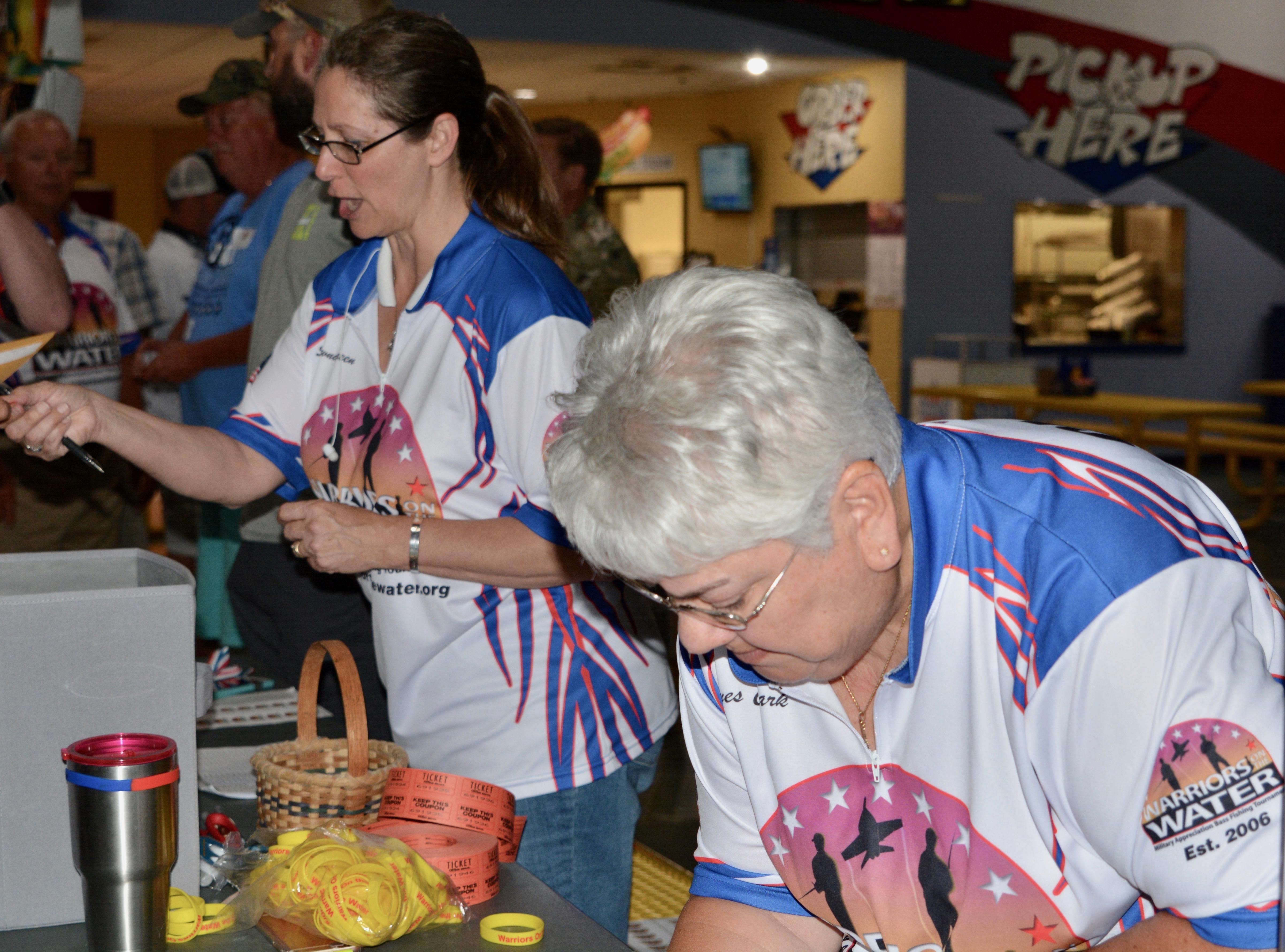 Volunteers at Icebreaker Ft. Bragg