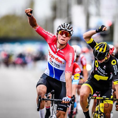 Dwars Door Vlaanderen: laatste test voor De Ronde in zomerse omstandigheden