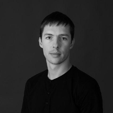 RIHARDS_MAČANOVSKIS.jpg