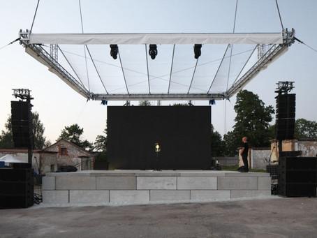 Cēsu Mākslas festivāla TĪRKULTŪRAS skaņas instalācija NEGAIDĪTIE AVOTI skatāma ierakstā