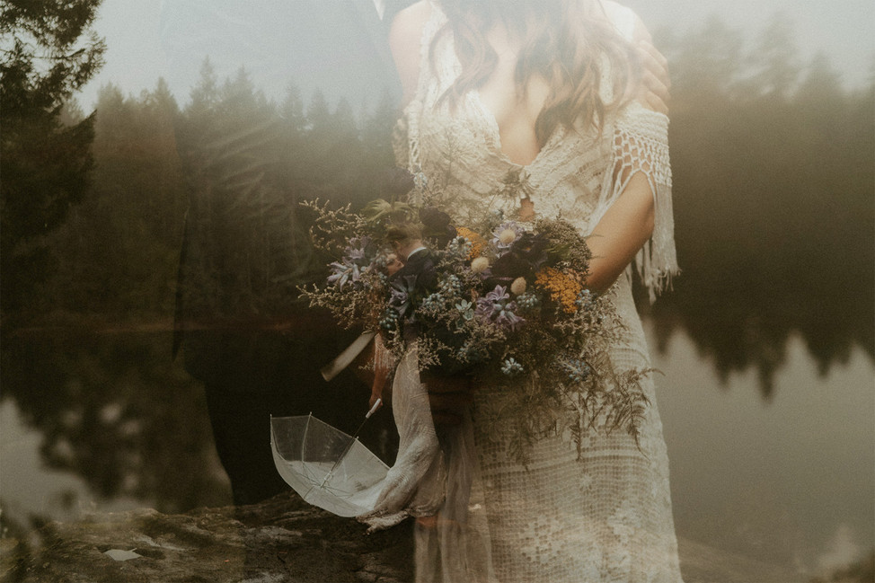 victoria-elopement-florals.jpg