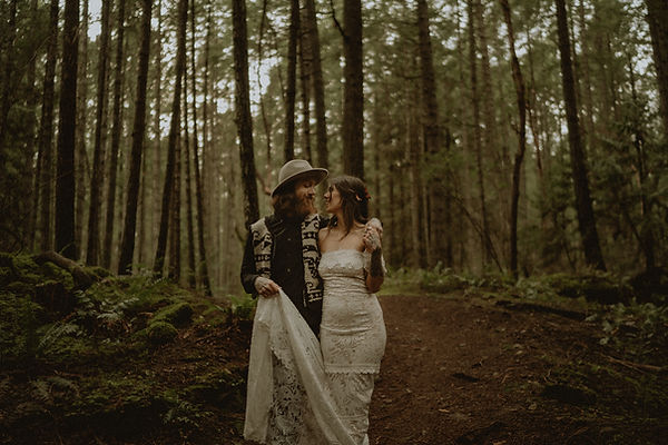 nanaimo-elopement-intimatewedding-nikkih