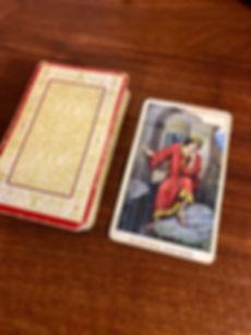 Король Мечей - карта дня! Погадайте бесплатно онлайн, выберите карту и получите бесплатный совет карт Таро на сегодня от таролога Алёны Панфиловой. Вытащите одну карту из колоды Таро. Гадание на одну карту Таро онлайн. Карта Таро расшифровка и толкование. Бесплатное гадание в Таро Кафе - Карта Дня.