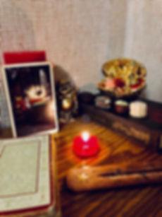 Аркан Маг - карта дня! Погадайте бесплатно онлайн, выберите карту и получите бесплатный совет карт Таро на сегодня от таролога Алёны Панфиловой. Вытащите одну карту из колоды Таро. Гадание на одну карту Таро онлайн. Карта Таро расшифровка и толкование. Бесплатное гадание в Таро Кафе - Карта Дня.