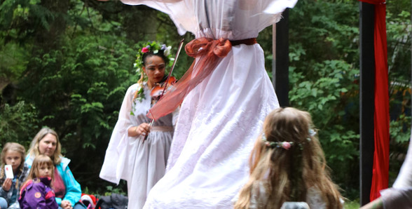 A Mid-Summer Nights Dream - Titania and her Fairies