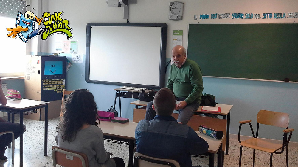 Il regista di Ciak Junior nella classe III A di Bucchianico