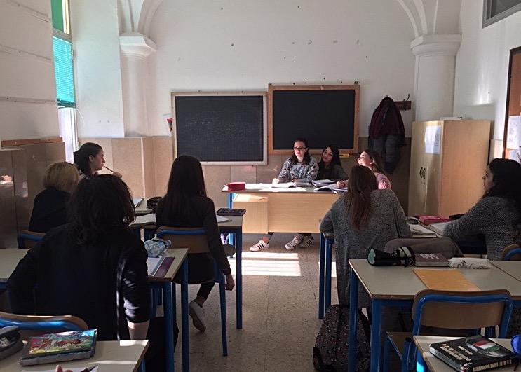 Queste foto riguardano il secondo debate, durante il quale gli studenti sono stati divisi tra ragazzi e ragazze.