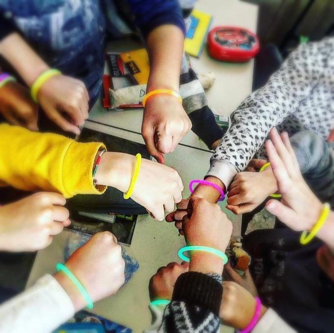I bracciali creano il gruppo