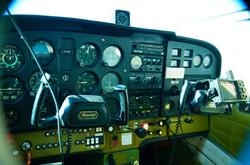 Cabina del Cessna 172