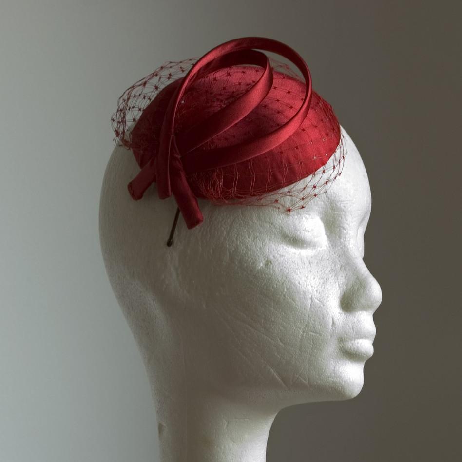 7. Kisméretű tok alkalmi kalap