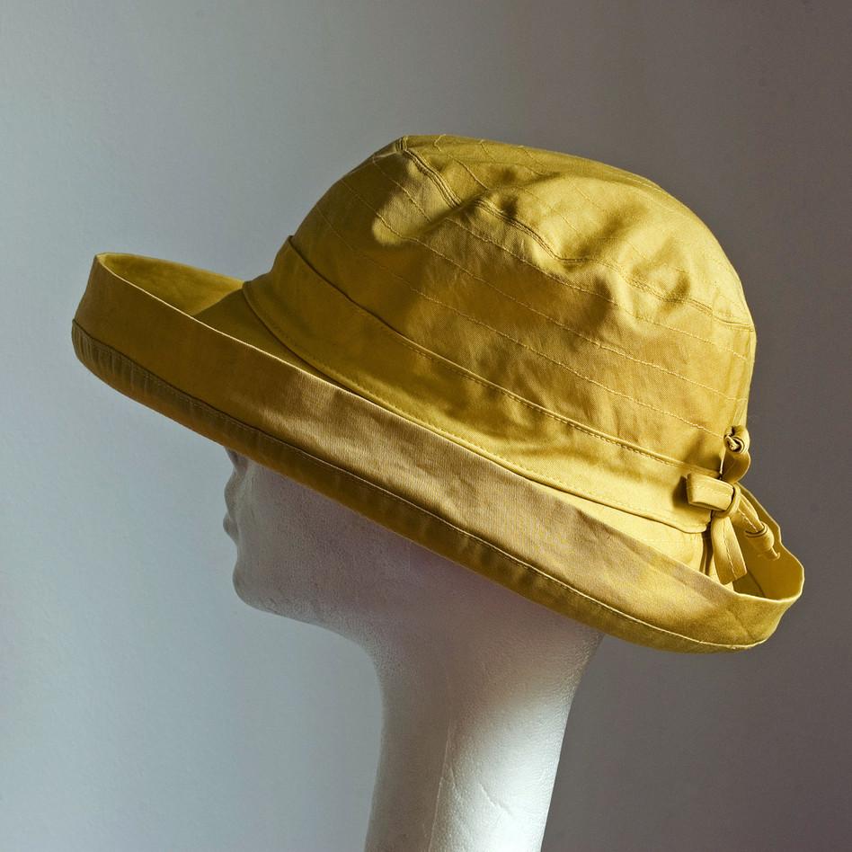 2. Sárga nyári vászonkalap