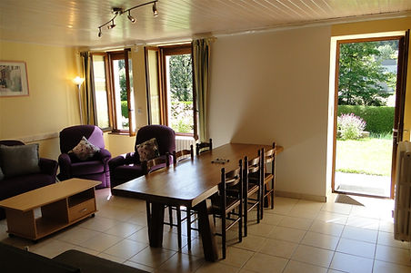 Gite 295 - Kitchen, Dining room, Living room - Rental of cottages for holidays in the High-Jura mountains