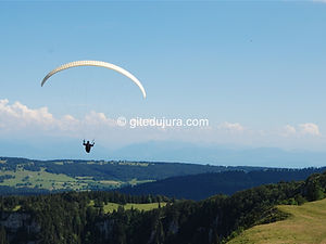 Golden Mountain - Paragliding - Rental of cottages for holidays in the High-Jura mountains