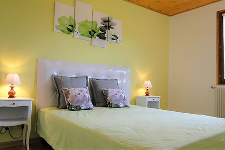 Gite 1805 - Bedroom n°1 - Rental of cottages for holidays in the High-Jura mountains