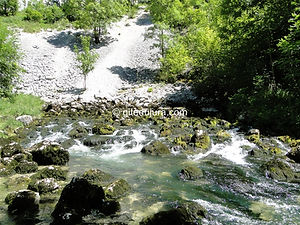 Foncine le haut - Source of La Saine - Rental of cottages for holidays in the High-Jura mountains