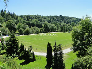 Foncine le haut - Football field - Rental of cottages for holidays in the High-Jura mountains