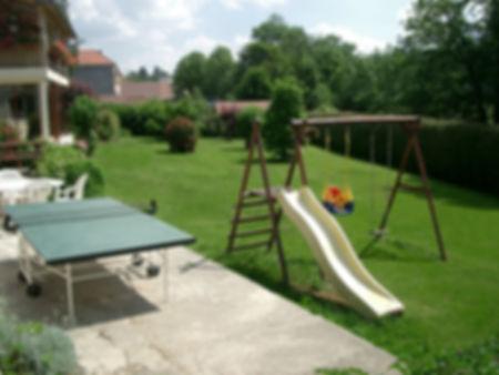 Gîte 1805 - Jardin et espace de jeux