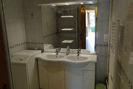 Gite 295 - Bathroom - Rental of cottages for holidays in the High-Jura mountains