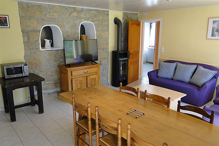Gite 295 - Dining room, Living room - Rental of cottages for holidays in the High-Jura mountains
