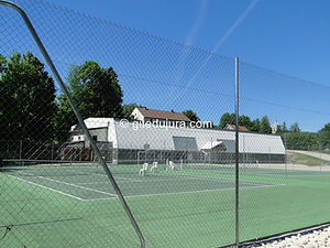 Foncine le haut - Terrains de tennis, salle multisports - Location de gîtes vacances en montagne Haut-Jura