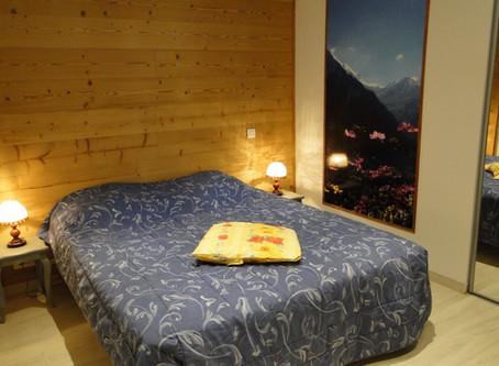 Chambres et salon rénovés du Gîte 295