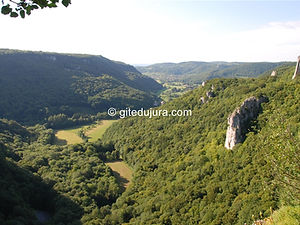 Arbois - Lookoutof the Horseshoe - Rental of cottages for holidays in the High-Jura mountains