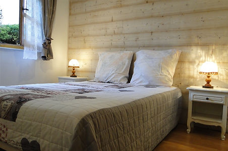 Gite 1804 - Bedroom n°2 - Rental of cottages for holidays in the High-Jura mountains