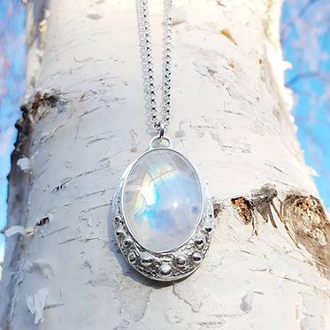 Moonstone pebble pendant.jpg