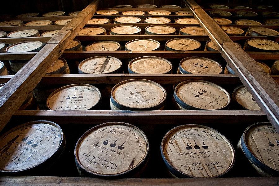 distillery-barrels-591600_1280.jpg