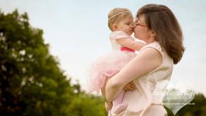 Ronja | 8 Monate | Babyfotos auf der Blumenwiese