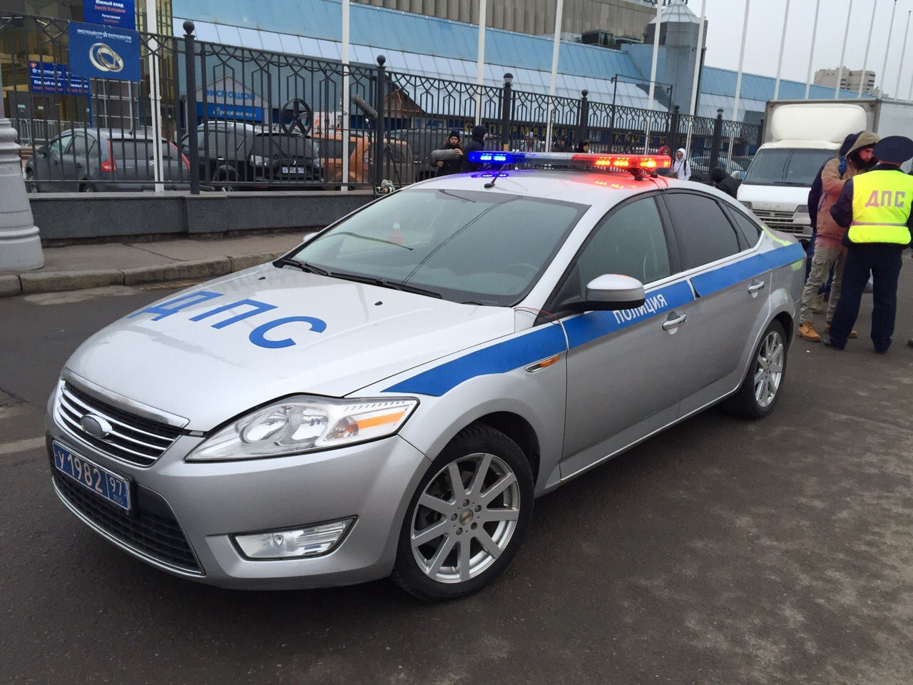 полиция ford mondeo ДПС 1000 4+1