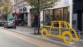 Eén auto = 10 fietsen, gemeente ruilt parkeerplaatsen voor fietsenstallingen
