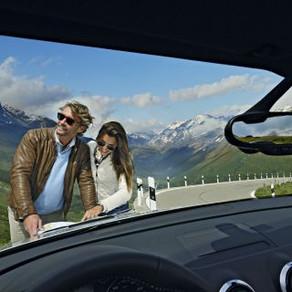 Bon  voyage le long de nos belles routes suisse !