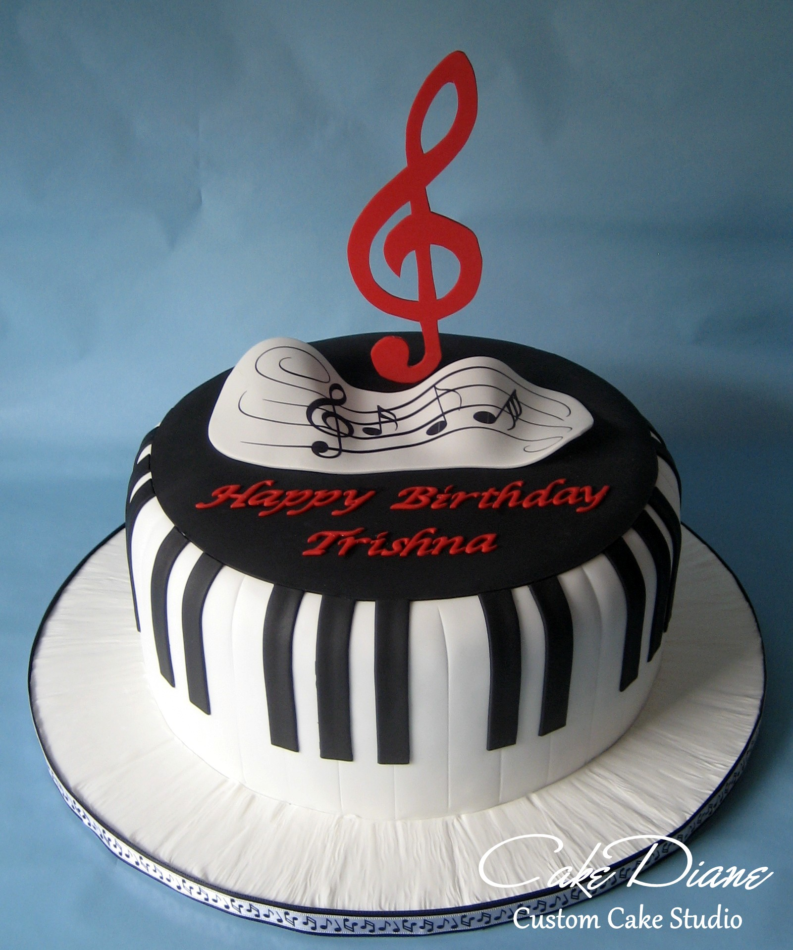 Piano keys cake watermark
