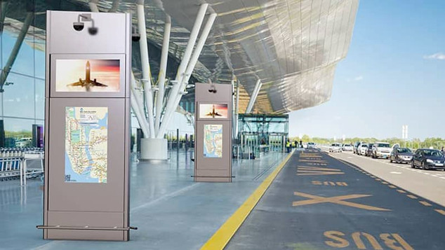 Outdoor Digital Signage Curbside Pylon