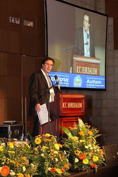 Dr. Eric Hollander