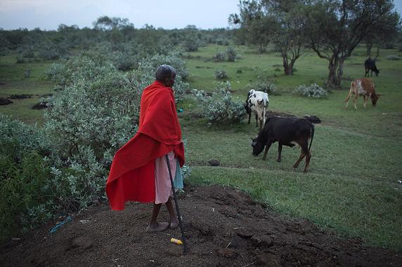 038Kenya_Masai_pastoralists_Modola.jpg