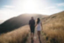 日没でロマンチックな散歩