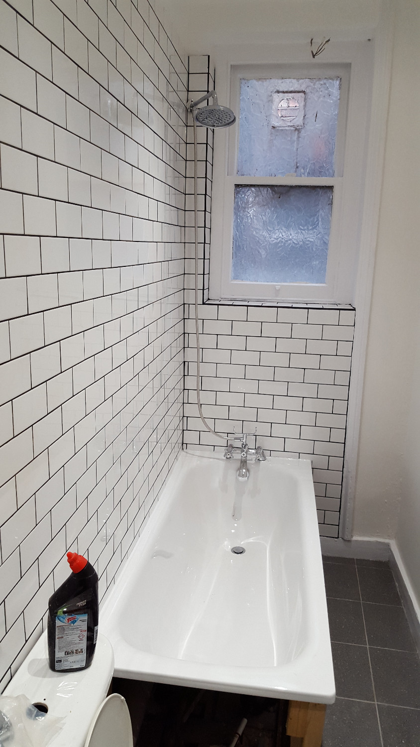 Full bathroom fitting with new tiling, painting and decorating Haringey, London, N4