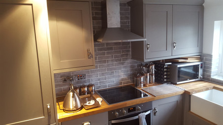 Fitting B&Q Kitchen in Enfield Town, North London