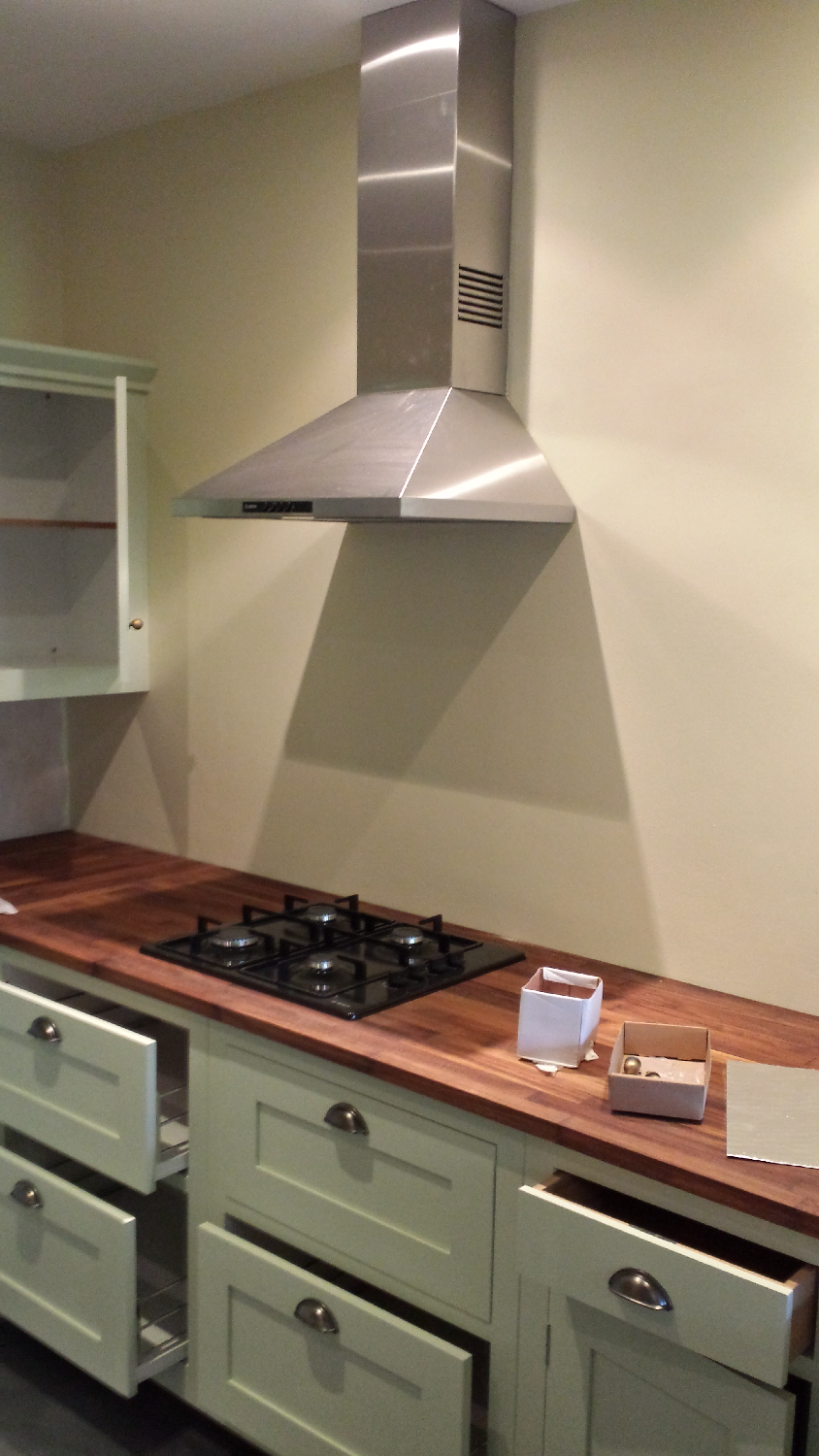 Fitting Extractor Fan, North London