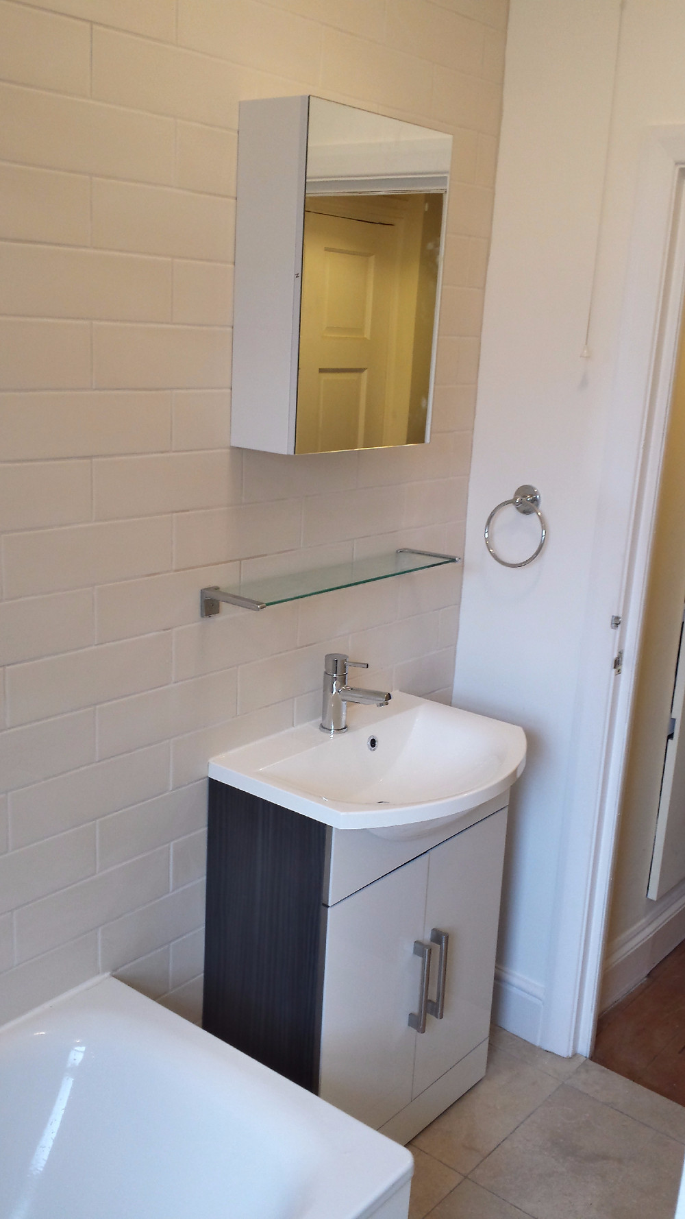 Fix Bathroom Wall Mirror Cabinet