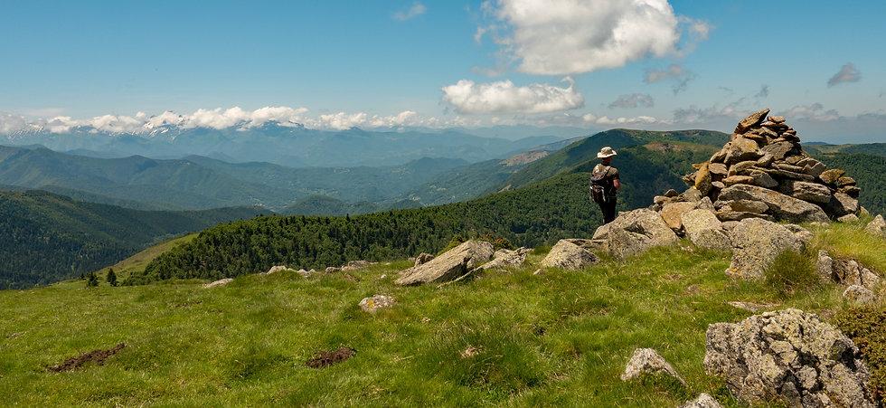 header-mountains-pyrenees2.jpg