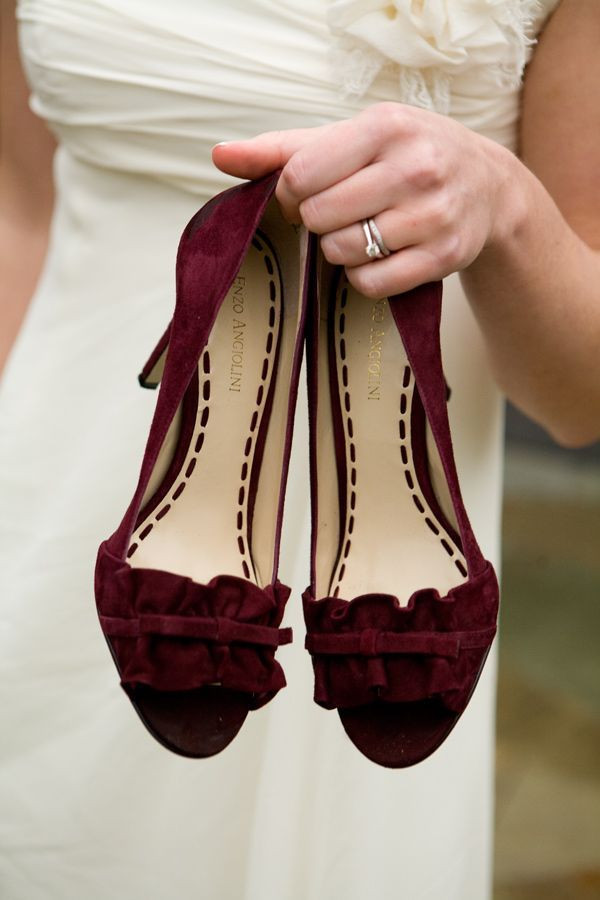 velvet wedding shoes. Portugal wedding planning
