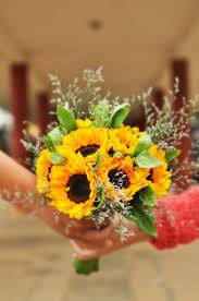 sunflowers in wedding. portugal wedding planning